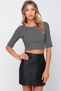 Prints-ton Grad Black and Ivory Print Crop Top at Lulus.com!