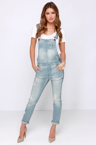 Festival Blues Light Wash Distressed Denim Overalls at Lulus.com!