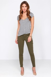 Car-Go the Distance Olive Green Cargo Skinny Jeans at Lulus.com!