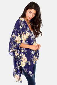 The Peacenik Blue Floral Print Kimono Jacket at Lulus.com!