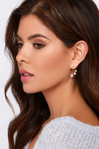 Starlight Star Bright Gold Rhinestones Ear Jackets at Lulus.com!
