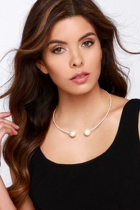 Meet Me Halfway Gold Pearl Choker Necklace at Lulus.com!