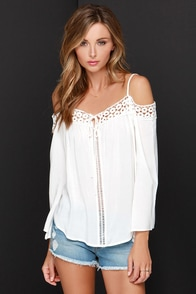 Into the Woodstock Ivory Lace Off-the-Shoulder Top at Lulus.com!