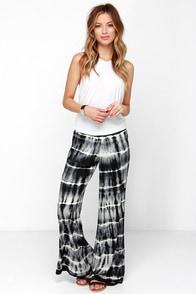 Billabong Midnight Hour Black Tie-Dye Pants at Lulus.com!