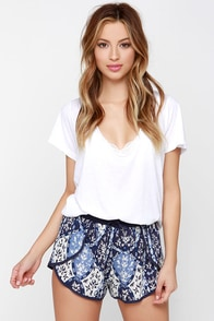 White Crow Solar Ivory and Navy Blue Print Shorts at Lulus.com!