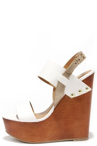 Soda Chef Off-White Wooden Platform Sandals at Lulus.com!