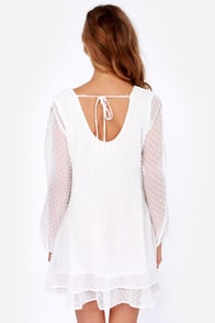 Lucy Love Tallulah White Shift Dress at Lulus.com!