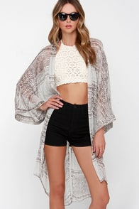 In a Daze Grey Print Kimono Top at Lulus.com!
