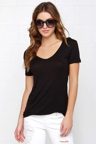 Let's V Friends Black Tee at Lulus.com!