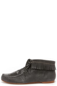 Latigo Etu Black Leather Moccasins at Lulus.com!