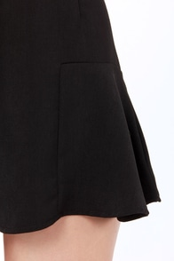 The Usual Suspend Black Suspender Shorts at Lulus.com!