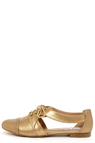 Steve Madden Cori Dusty Gold Cutout Oxford Flats at Lulus.com!