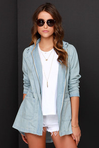 Jack by BB Dakota Oswald Light Wash Chambray Jacket at Lulus.com!