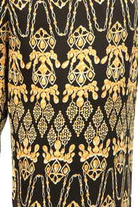 Gild to Pieces Baroque Print Cropped Pants at Lulus.com!