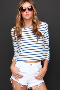 Cut-Off the Map White Distressed Jean Shorts at Lulus.com!