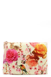 Falling Fleur You Yellow Floral Print Clutch at Lulus.com!