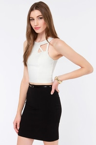 Dream of the Crop Cutout Ivory Crop Top at Lulus.com!