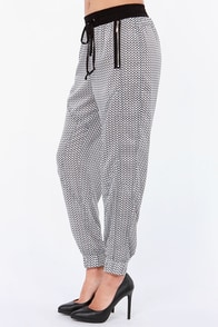 Push the Limits Black and Ivory Print Harem Pants at Lulus.com!