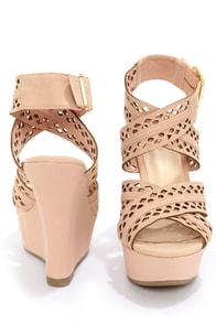 Bamboo Smooch 43 Rose Crisscrossing Strappy Wedge Sandals at Lulus.com!