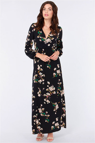 LULUS Exclusive Sweet Peonies Navy Floral Print Maxi Dress at Lulus.com!