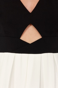Bow Contraire Black and White Skater Dress at Lulus.com!
