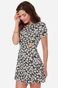 Daisy About You Black Floral Print Dress at Lulus.com!