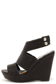 Madden Girl Kilterrr Black Wedge Sandals at Lulus.com!