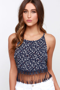 Perfect Picnic Navy Blue Floral Print Crop Top at Lulus.com!