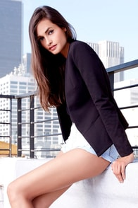 Moment's Notice Black Cropped Blazer at Lulus.com!