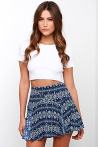 Live and Let Diamond Ivory and Navy Blue Print Skirt at Lulus.com!