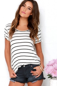 Laundry Room Honeys Distressed Black Cutoff Shorts at Lulus.com!