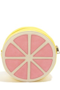 Je Suis Une Pamplemousse Grapefruit Clutch at Lulus.com!