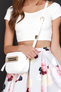 Zip in the Radar Ivory Purse at Lulus.com!