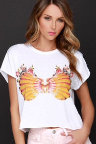 Laundry Room Sunrise Shell Ivory Crop Tee at Lulus.com!