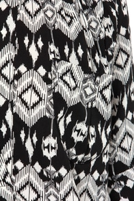 Lucy Love Julia Ivory and Black Print Tunic Top at Lulus.com!