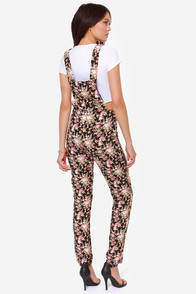 Go Wildflower Black Floral Print Overalls at Lulus.com!