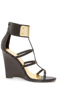 Liliana Jaida 4 Black Gold-Plated T-Strap Wedges at Lulus.com!
