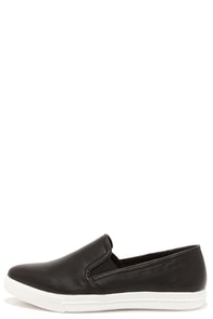 Steve Madden Vicktori Black Pointed Slip-On Sneakers at Lulus.com!