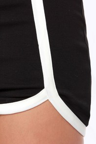Chic My Language Black Mini Skirt at Lulus.com!
