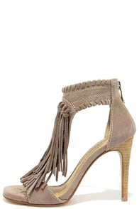 Chinese Laundry Santa Fe Grey Suede Leather Fringe Sandals at Lulus.com!