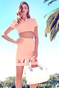Get to the Point Cutout Coral Crop Top at Lulus.com!