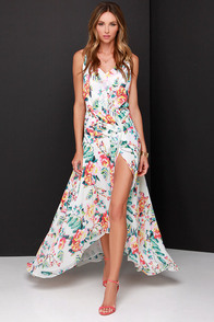 Bailadora Ivory Floral Print Maxi Dress at Lulus.com!