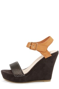 Good Choice Most Wanted Black and Tan Single Strap Wedges