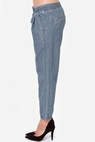 Blank NYC Tencel Cropped Chambray Pants at Lulus.com!