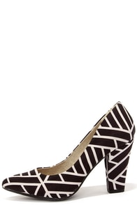 BC Footwear Penthouse Black and White Print Pumps at Lulus.com!