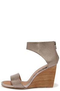 Seychelles Auburn Pewter Leather Ankle Cuff Wedges at Lulus.com!
