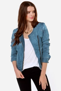 Ava Medium Wash Denim Jacket at Lulus.com!