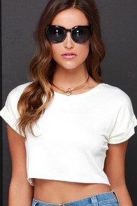 Gotta Cut Loose Cream Crop Tee at Lulus.com!