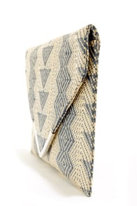 The Last Straw Beige and Blue Envelope Clutch at Lulus.com!