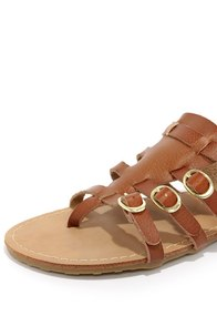 Dollhouse Mykonos Chestnut Buckled Thong Sandals at Lulus.com!